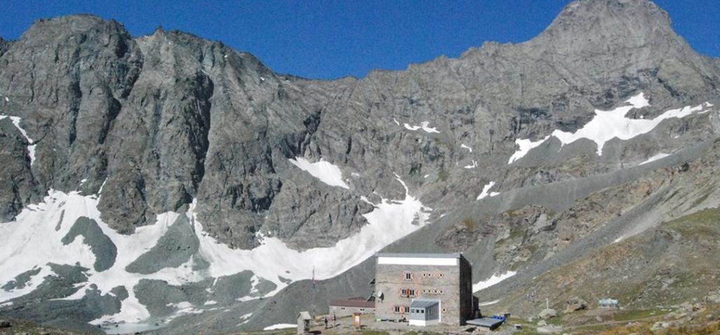 La conca del rifugio Gastaldi